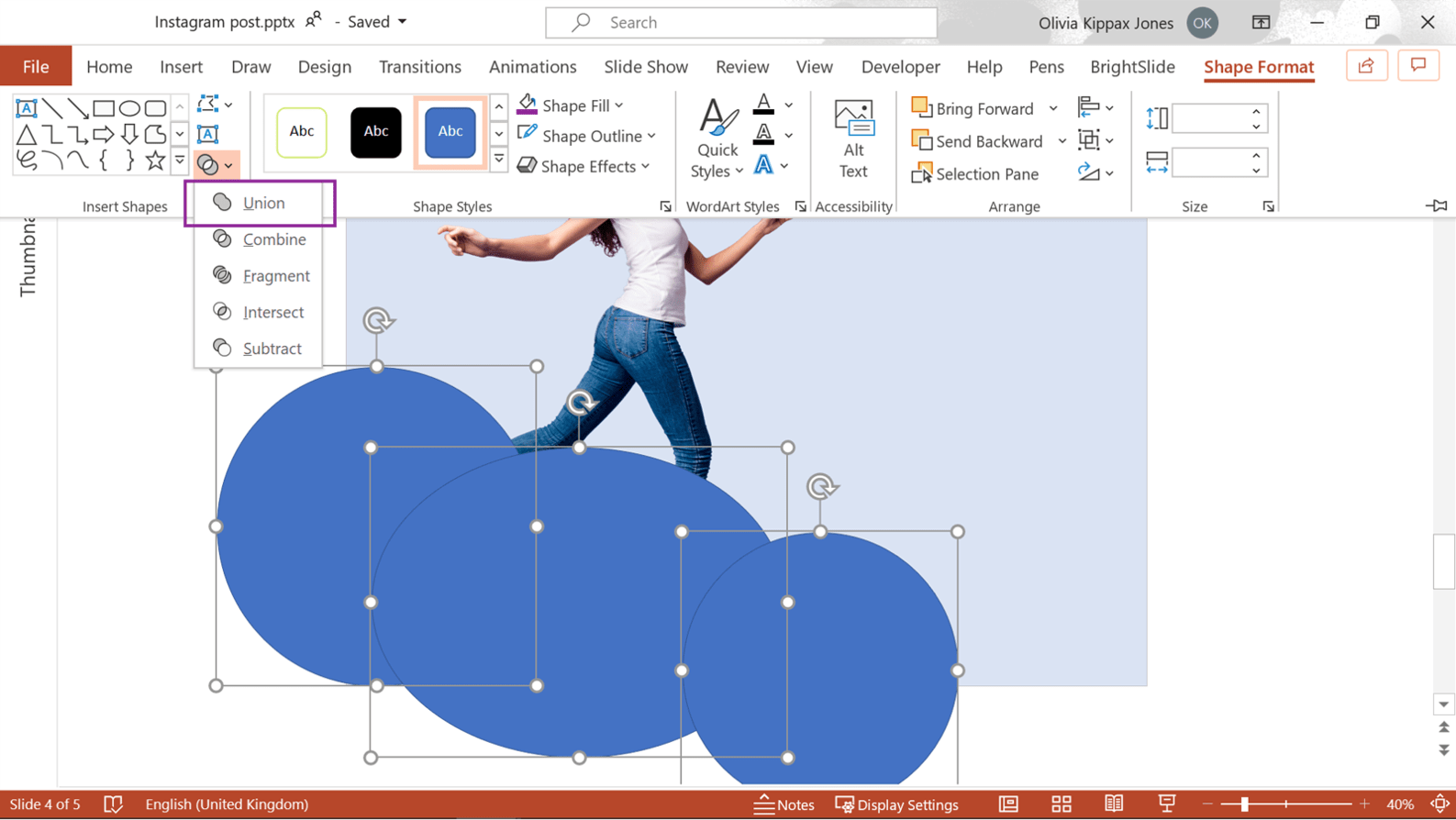 Screenshot of powerpoint showing where to find the Union Boolean tool